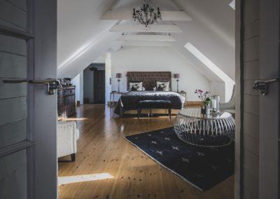 V_Hotel_Suite_Image_FX_2-min