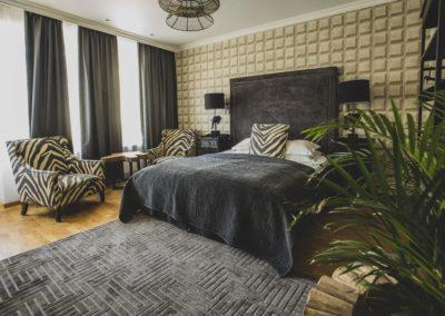 V_Hotel__rRUM_16_HI_2-min